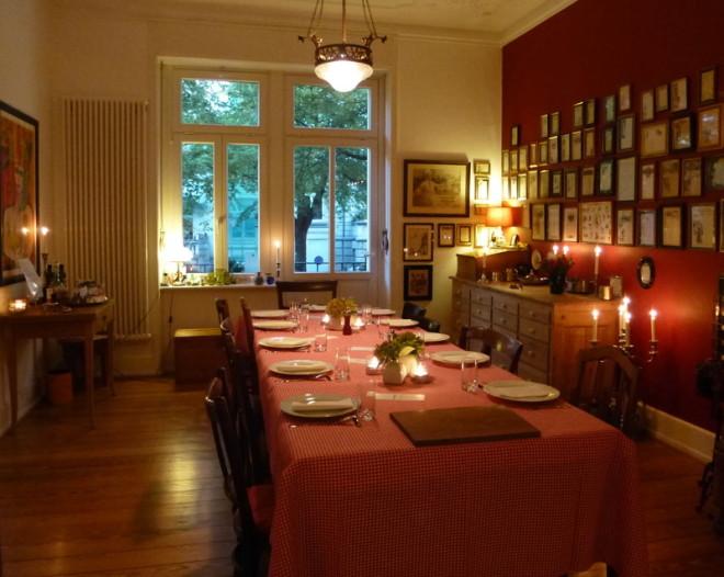 Ein Neuer Tisch Im Wohnzimmer War Fr Max 12 Bis 14 Gste Aus Wiesbaden Und Oder Der Ganzen Welt Zentrum ESSWERKSTATT Tafelrunde